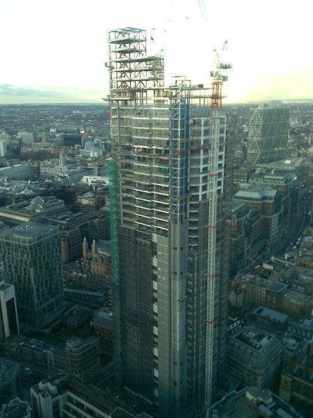450px-Heron_tower_under_construction jan 2010.jpeg